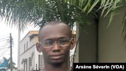 Christ Belvi Dongui détenu pendant plus de 3 mois pour avoir dénoncé les mauvaises conditions de vie de la population, à Pointe-Noire mars 2021. (VOA/Arsène Séverin).jpg