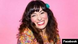 Impresionista y comediante de monólogos, Melissa Villaseñor se ha presentado en clubs y universidades a nivel nacional.