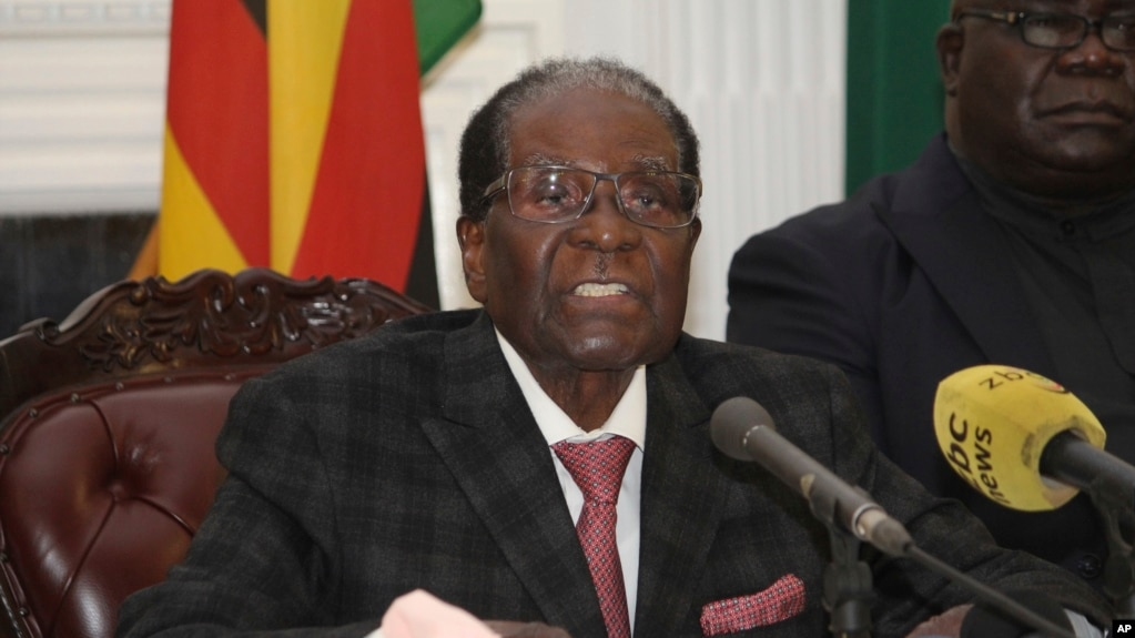Zimbabwean President Robert Mugabe delivers a live speech to the nation, at State House, in Harare, Zimbabwe, Nov, 19, 2017. Mugabe baffled the country by ending his address without announcing his resignation.
