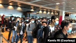Pemulangan ABK Indonesia yang merupakan awak kapal pesiar Jerman, TUI Cruises. (Foto: Courtesy/Kemlu RI)