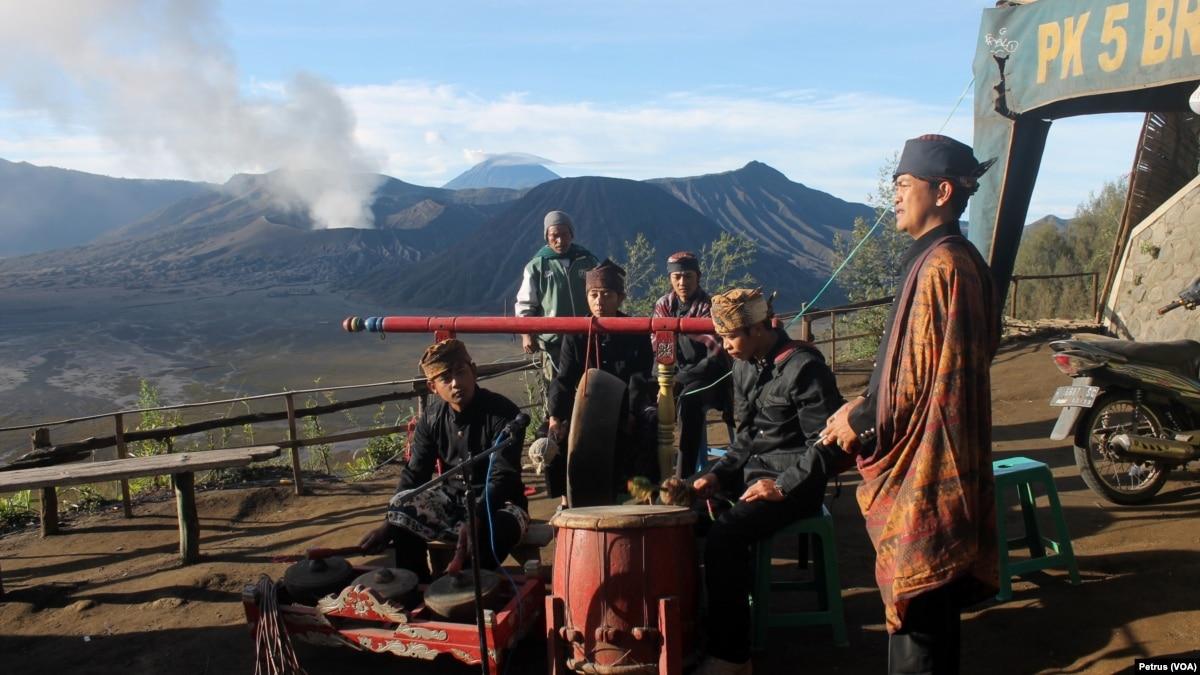 Membangkitkan Kembali Wisata Bromo Di Tengah Erupsi