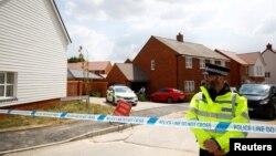 Policajac na mestu gde je pronađen otrovan par