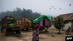 ရွမ္းျပည္နယ္ IDP စစ္ေရွာင္ဒုကၡသည္စခန္းက အမ်ိဳးသမီးတဦး (ဇန္န၀ါရီ ၁၃၊ ၂၀၂၁၉)