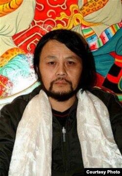 中国作家谭作仁 (网络图片)