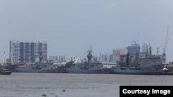 Các tàu hải quân Úc cập cảng ở Sài Gòn hôm 19/4.