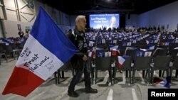 Des supporters de FN en Provence-Alpes-Cote d'Azur (PACA) dans la region de Marseille, France, Dec. 9