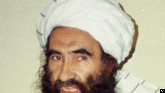 This Aug. 22, 1998 file photo, shows Jalaluddin Haqqani, Badruddin's father, then Taliban Army Supreme Commander