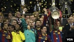 Barcelona menjuarai Liga Champions musim lalu setelah mengalahkan Manchester United 3-1 di Stadion Wembley, London, Mei lalu. Walau kalah, MU menerima hadiah uang terbesar dari Liga Champions.