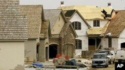 Lĩnh vực xây cất nhà ở tại Hoa Kỳ vẫn nằm ở mức thấp hơn nhiều so với mức mà các phân tích gia cho là một thị trường lành mạnh