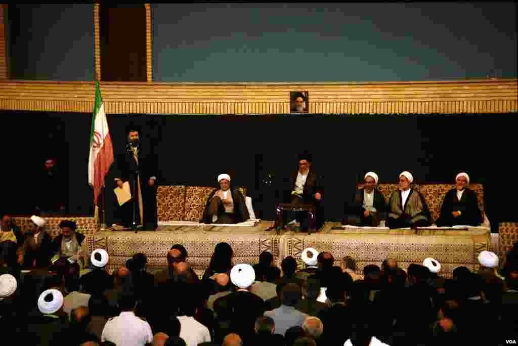 با پیروزی اکبر هاشمی رفسنجانی در دوره ششم ریاست جمهوری اسلامی ایران، مراسم تنفیذ او در تاریخ ١٢ مرداد ١٣٧٢ برگزار شد.