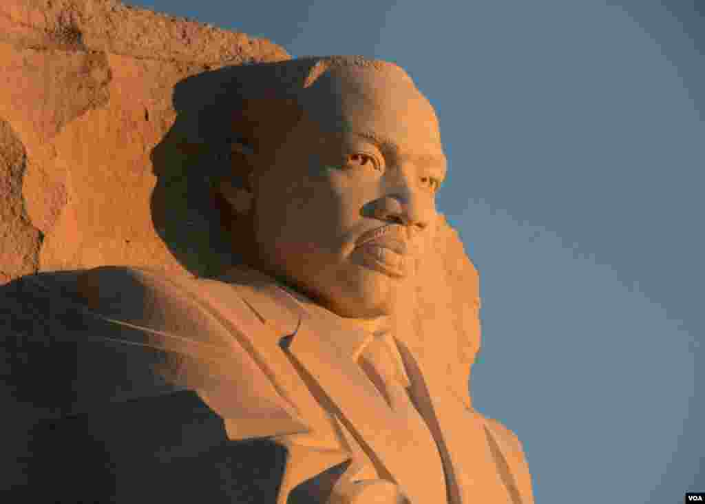 Мартин Лютер Кинг – монумент возведен в 2011 году