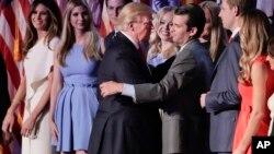 Дональд Трамп із сином Дональдом Трампом-молодшим