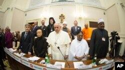 Verski lideri nakon potpisivanja deklaracije u Vatikanu