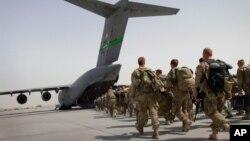 Bagram aviabazasida. Afg'oniston, 14-iyul, 2011.