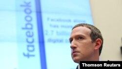 El presidente y CEO de Facebook, Mark Zuckerberg, testifica en una audiencia del Comité de Servicios Financieros de la Cámara de Representantes en Washington, EE.UU., el 23 de octubre de 2019.