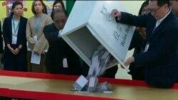 Гонконгські продемократичні сили здобули впевнену перемогу на місцевих виборах. Відео