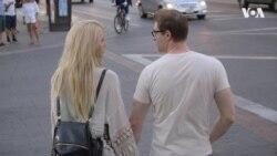 Як місто у США заробляє мільйони на коханні. Відео