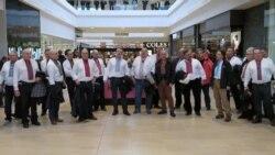 Українська колядка зачарувала відвідувачів канадського торгівельного центру. Відео