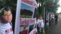Pennsylvania'da Gülen'in Konutu Önünde Protesto