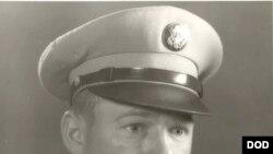 론 로서 미 육군 중사