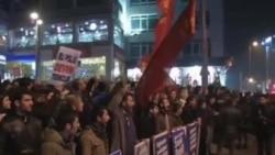 Siyasi Karışıklık Türkiye'de Hükümeti ve Ekonomiyi Tehdit Ediyor