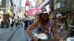 Kontroversi 'Topless' di Times Square New York