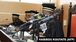 La cour constitutionnelle du Mali annonce les résultats officiels du premier tour de l'élection présidentielle du pays, le 7 août 2013 à Bamako. (Photo d'archives: HABIBOU KOUYATE / AFP)