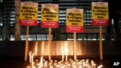 Bdenje za 39 žrtve iz kamiona održano u Londonu ispred ministarstva unutrašnjih poslova.