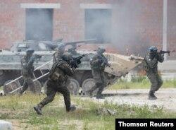 미국과 우크라이나, 폴란드, 리투아니아가 17일부터 30일까지 우크라이나 서부 르비브 야보리브 훈련장에서 '세 개의 검 2021(Three Swords 2021)' 군사훈련을 실시한다.