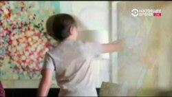 Интерактивный домашний питомец по имени Козмо с внешностью Валли и повадками R2D2