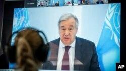Sekjen PBB Antonio Guterres menyampaikan pidato virtual dari Berlin, Jerman, 28 April 2020. (Foto: dok).