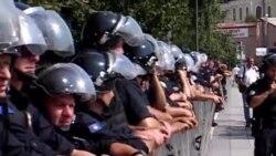 Protesta kunder marrevshjes per kufirin Kosove - Mali i Zi