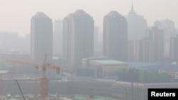 چین کے شہر بیجنگ میں فضائی آلودگی کی سطح انتہائی بلند ہے۔ 11 مارچ 2021