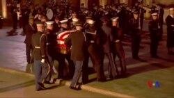 美國國內外政要向老布殊總統致以最後的敬意