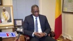 Ministre de l'Economie Numerique et de la Communication Arouna .M Toure Mi
