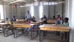 Membuat Bangunan Sekolah dengan Pencetak 3-Dimensi