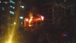 2018-12-28 美國之音視頻新聞: 孟買住宅大樓大火造成5人喪生
