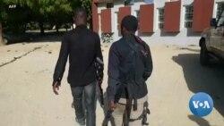 Les forces de sécurité sur les lieux où 317 élèves ont été enlevées