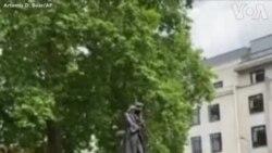 مجسمه تاجر برده فروش قرن ۱۷ سرنگون شد