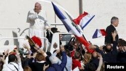 Le pape François au Vatican le 18 octobre 2015