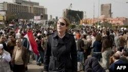 Мэри Колвин, корреспондент газеты Sunday Times, была убита в городе Хомс