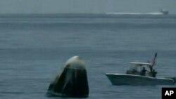 کپسول درگن اسپیس اکس فضانوردان آمریکایی را به سلامت به زمین بازگرداند - ۲ اوت ۲۰۲۰