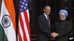 美国总统奥巴马和印度总理辛格握手
