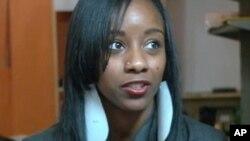 L'une des jeunes volontaires ayant participé à une journée de sensibilisation sur le VIH/SIDA dans les communautés noires aux USA