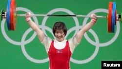 브라질 리우올림픽에 출전한 북한 역도팀 림정심이 지난 13일 여자 75kg 경기에서 북한의 이번 대회 첫 금메달을 목에 걸었다.