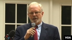 U.S. Ambassador to Vietnam David Shear speaks on Human Rights at a reception in Arlington, Virginia. (August 16, 2013)