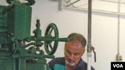 Predsjednik firme za sakupljanje i prodaju školjki MeTompkin Bay Oyster Todd Casey