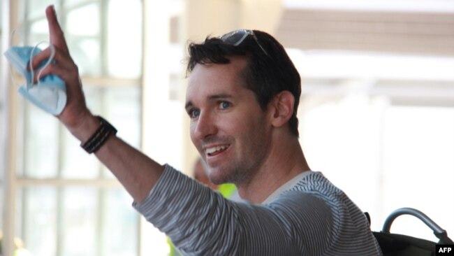 澳广驻京记者比尔·博图斯(Bill Birtles)2020年9月8日抵达悉尼机场。