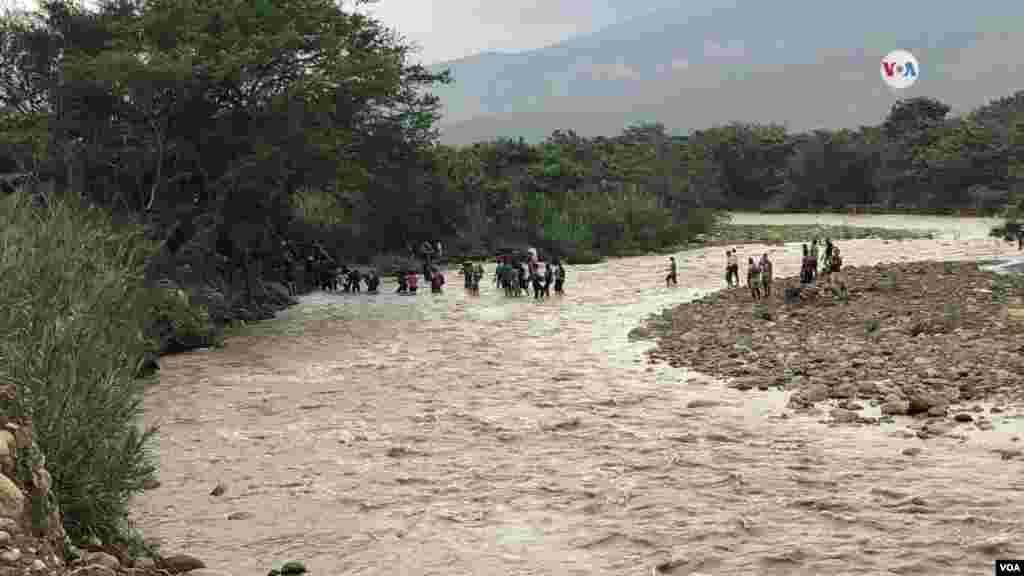 En general, el río Táchira se mantiene seco. Sin embargo, la situación cambió debido a las lluvias en la región.