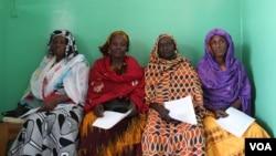زنانی در سنگال در انتظار آزمایش و بررسی سرطان